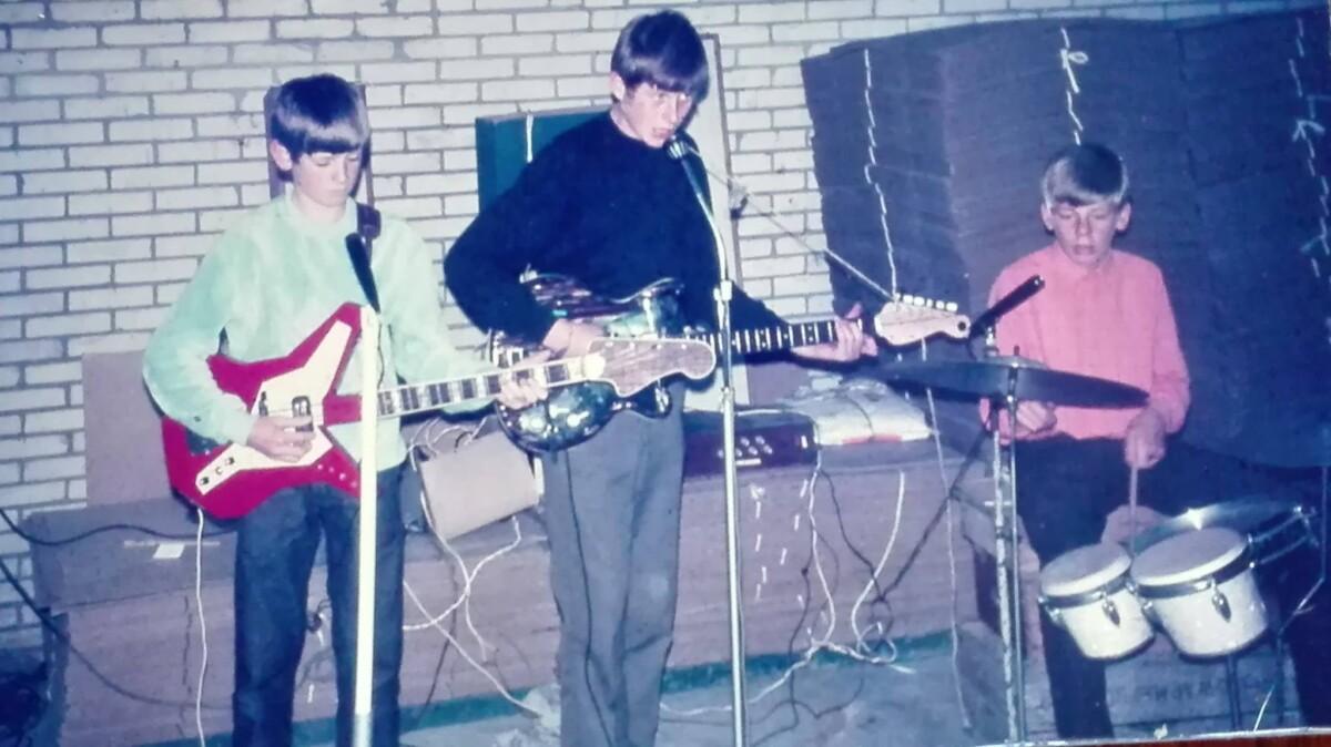 1963 met het allereerste bandje She-Ass